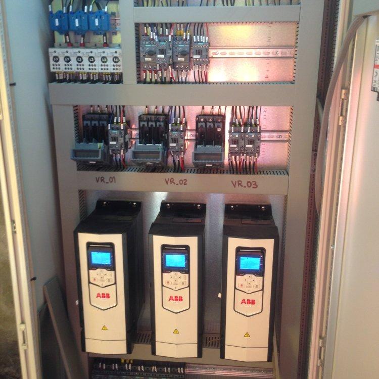 Impianto elettrico di un'isola di taglio: tutti gli step, dalla fornitura alla messa in servizio