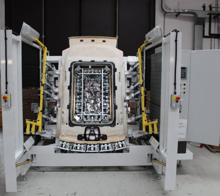 Macchina automatica per la ribordatura e gli stampi: il nostro lavoro per Mair Srl