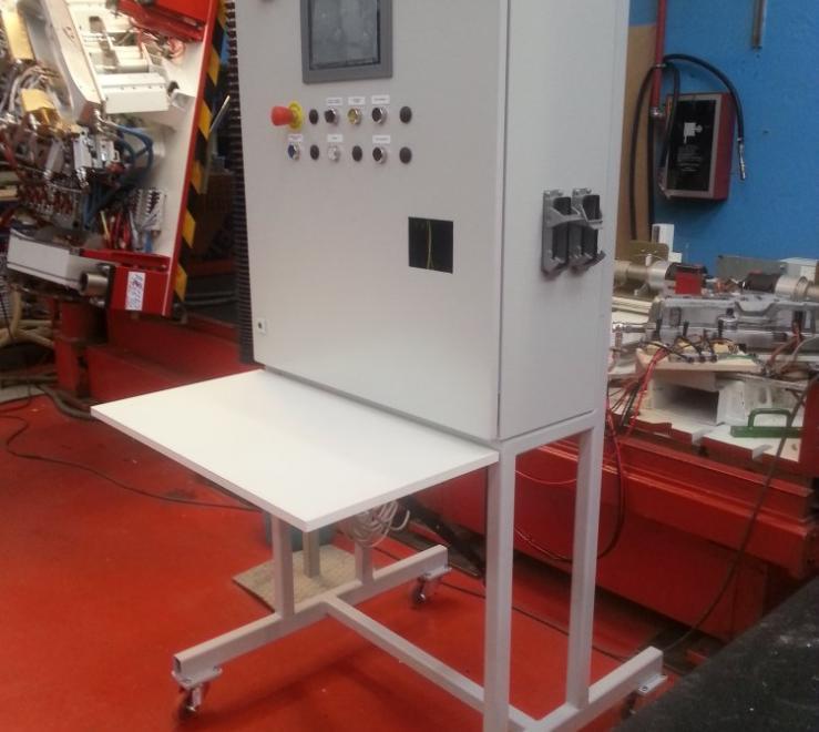 Progettazione e realizzazione integrata di un quadro elettrico per il collaudo degli stampi