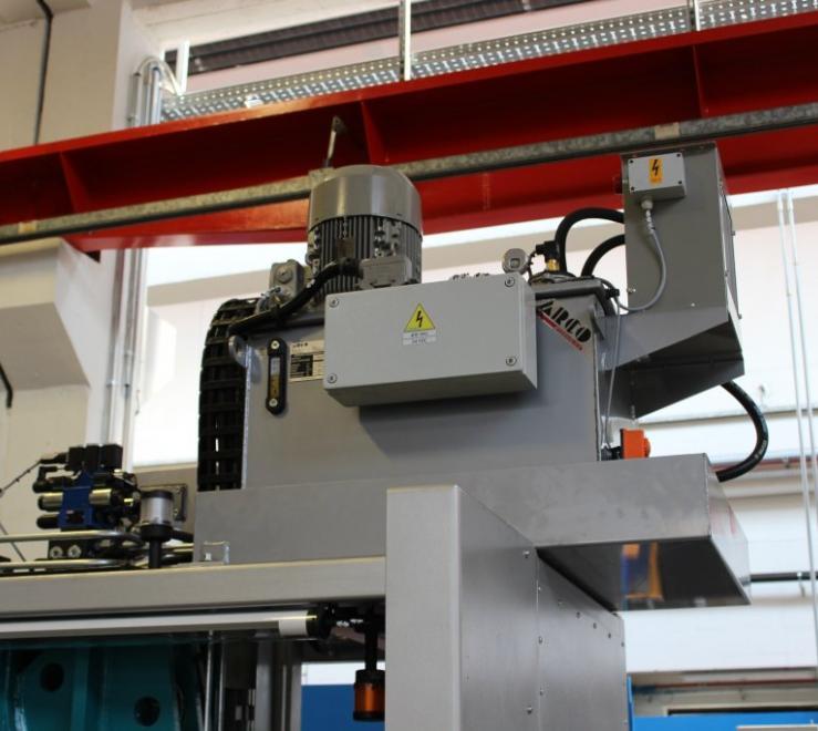 Sistema di automazione punzonatrice oleo pneumatica